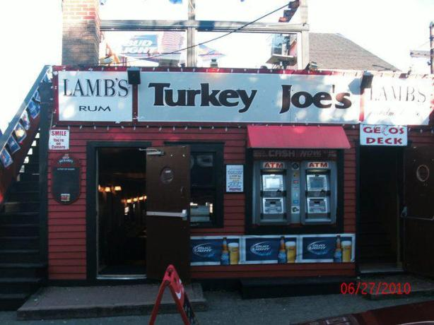 turkey joes bar front